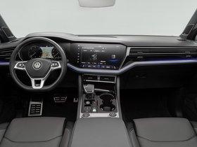 Ver foto 26 de Volkswagen Touareg V6 TDI R Line 2018