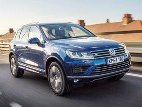 Fotos de Volkswagen Touareg V6 TDI R Line UK 2014