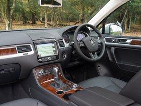 Ver foto 24 de Volkswagen Touareg V6 TDI UK 2014