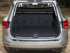 Ver foto 23 de Volkswagen Touareg V6 TDI UK 2014