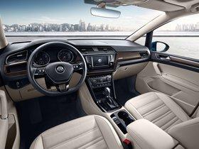 Ver foto 17 de Volkswagen Touran L 2016