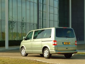 Ver foto 8 de Volkswagen Transporter T5 2003