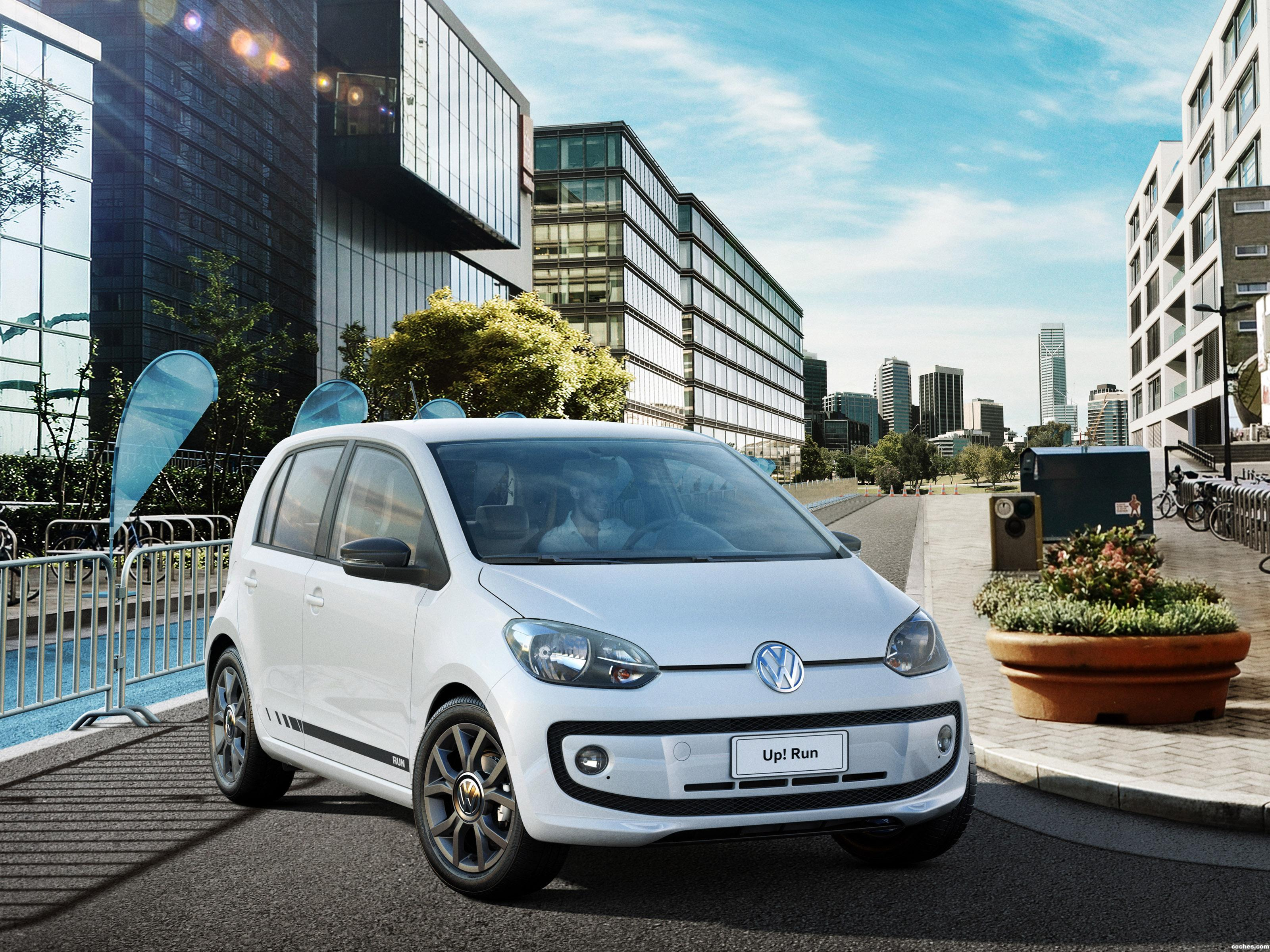 Foto 0 de Volkswagen up! Run 2016