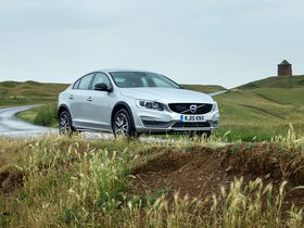 Ver foto 13 de Volvo S60 Cross Country UK 2015