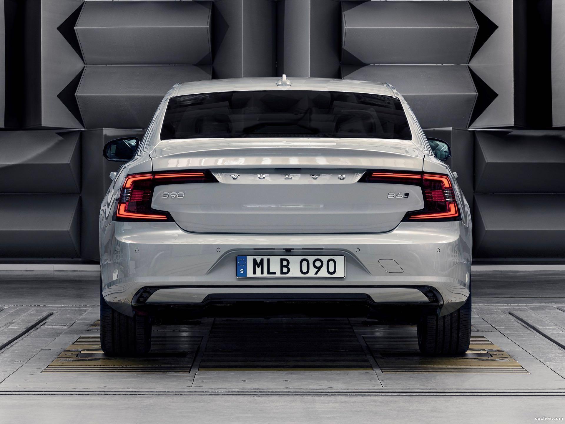 Foto 0 de Volvo S90 Recharge T8 plug-in hybrid 2020