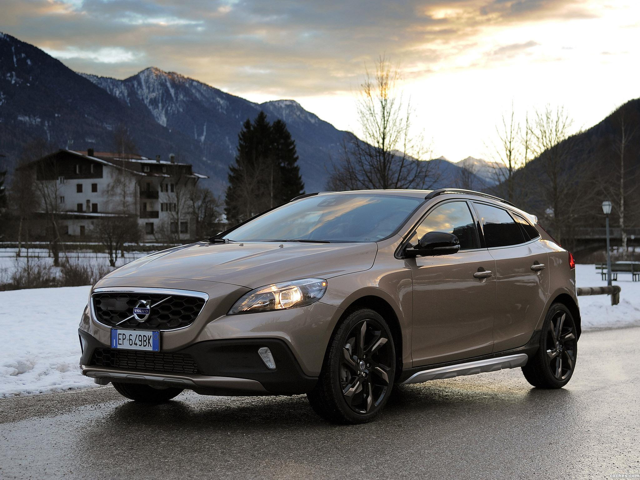 Foto 0 de Volvo V40 Cross Country D3 2012