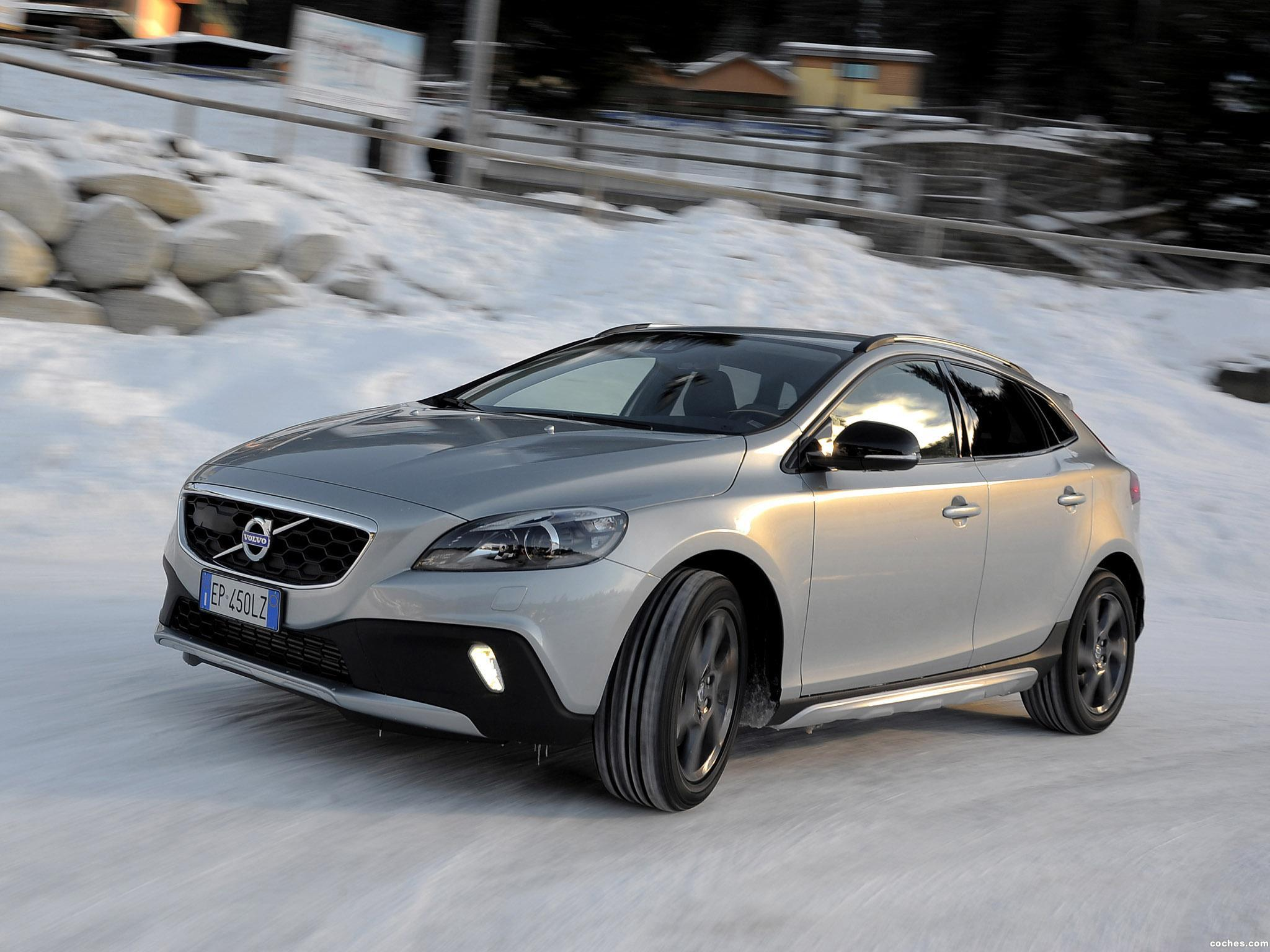 Foto 2 de Volvo V40 Cross Country D4 2012