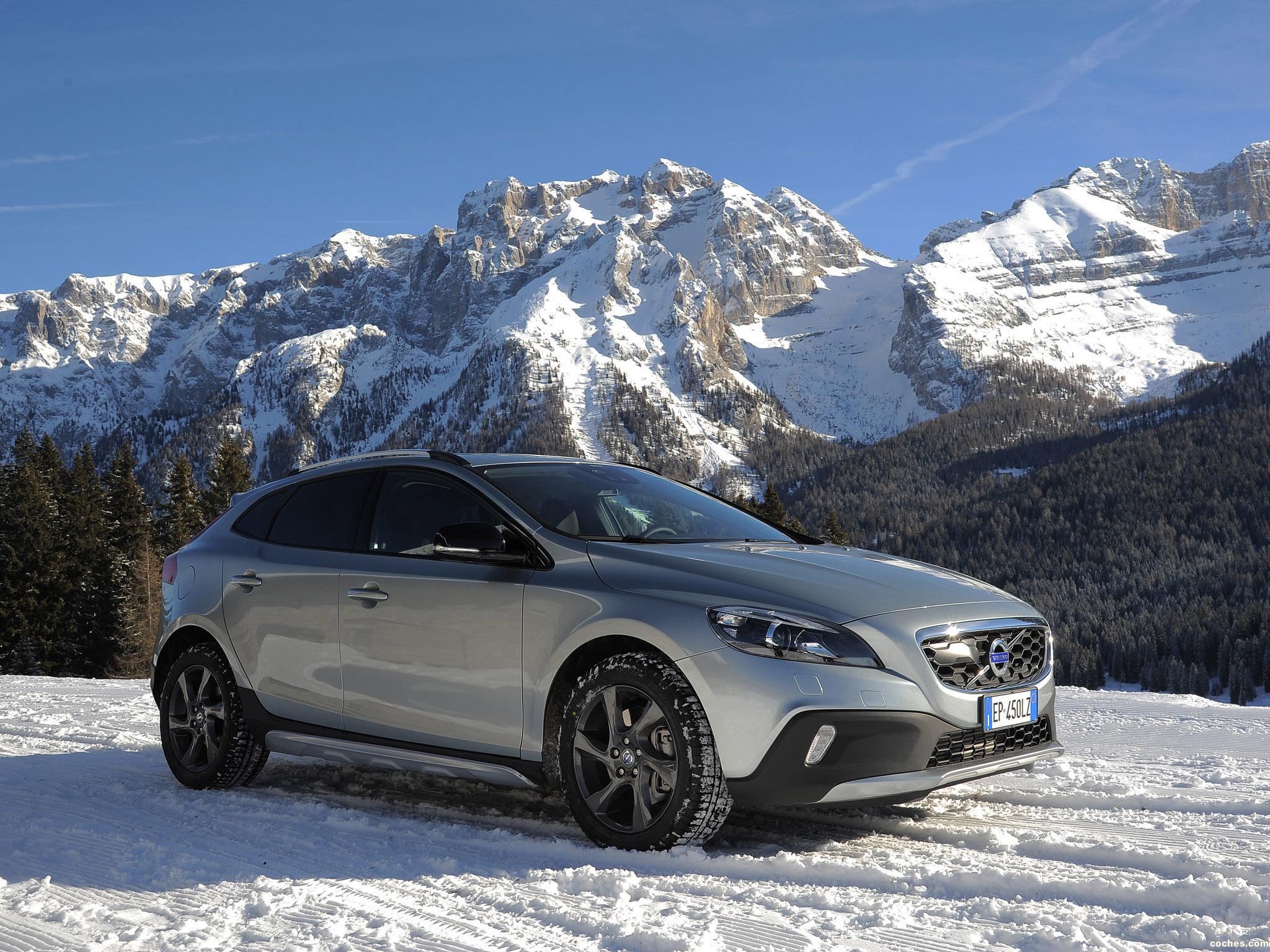 Foto 0 de Volvo V40 Cross Country D4 2012