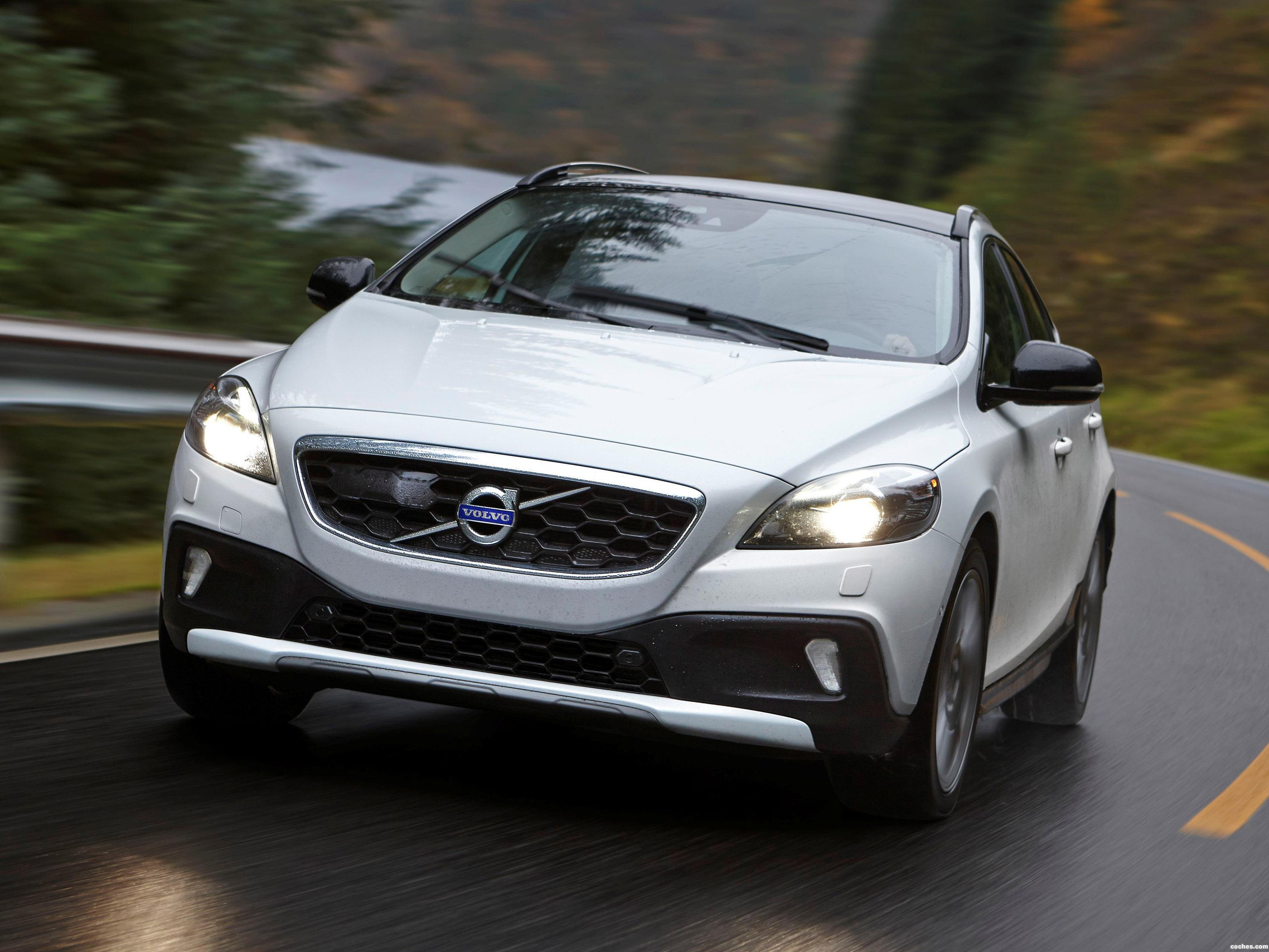 Foto 0 de Volvo V40 Cross Country D4 2014