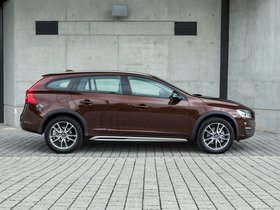 Ver foto 11 de Volvo V60 D3 Cross Country UK 2015
