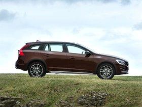 Ver foto 10 de Volvo V60 D3 Cross Country UK 2015