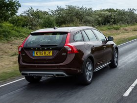 Ver foto 8 de Volvo V60 D3 Cross Country UK 2015
