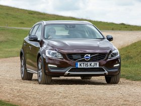 Ver foto 4 de Volvo V60 D3 Cross Country UK 2015