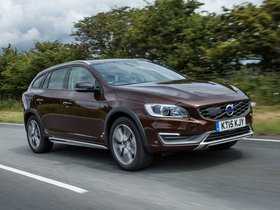 Ver foto 3 de Volvo V60 D3 Cross Country UK 2015