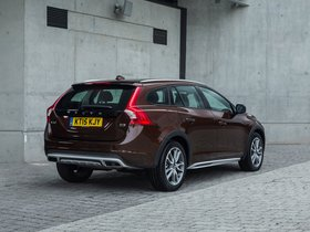 Ver foto 19 de Volvo V60 D3 Cross Country UK 2015