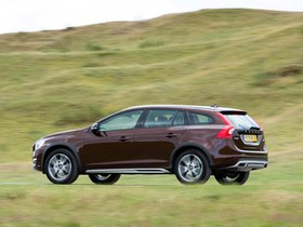 Ver foto 17 de Volvo V60 D3 Cross Country UK 2015
