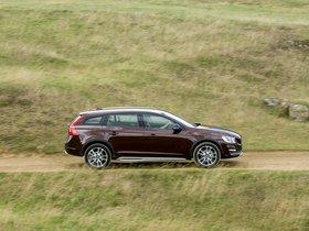 Ver foto 15 de Volvo V60 D3 Cross Country UK 2015
