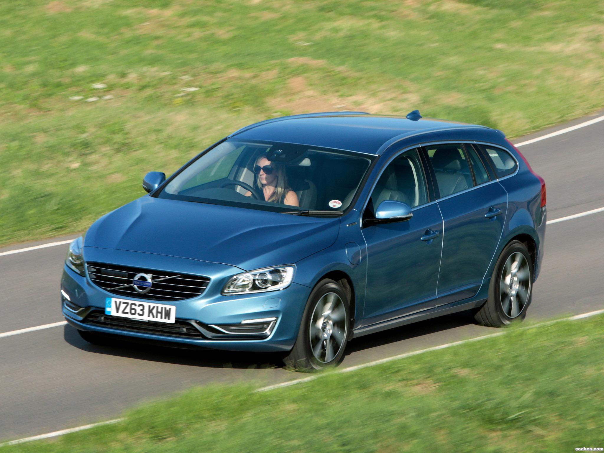 Foto 3 de Volvo V60 D6 Plug-in Hybrid UK 2013