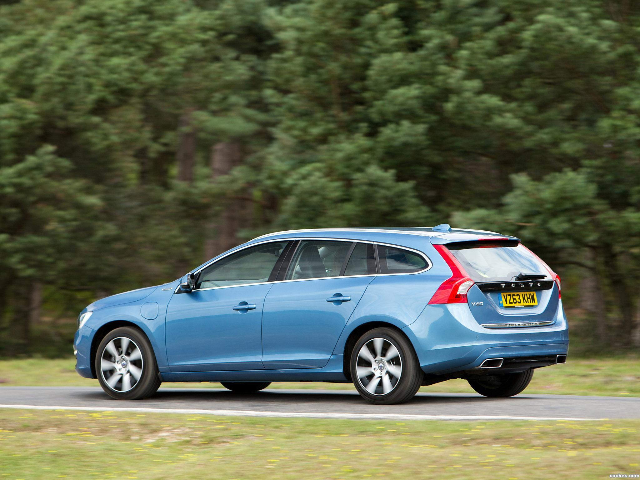 Foto 1 de Volvo V60 D6 Plug-in Hybrid UK 2013