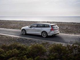 Ver foto 4 de Volvo V60 T6 Momentum 2018