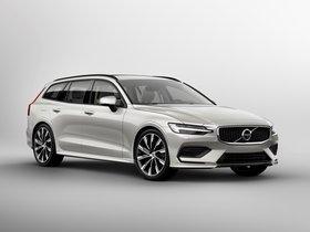 Ver foto 1 de Volvo V60 T6 Momentum 2018