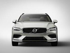 Ver foto 7 de Volvo V60 T6 Momentum 2018