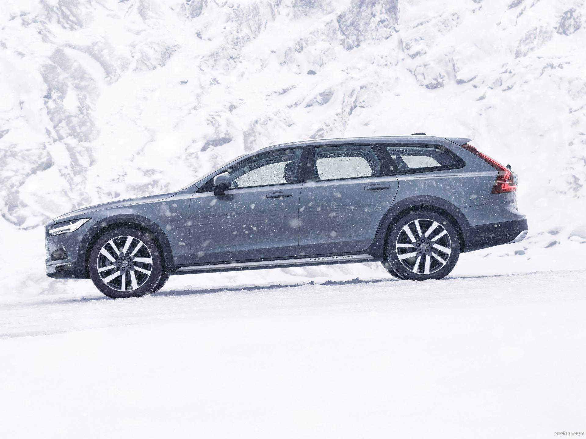 Foto 0 de Volvo V90 Cross Country B6 2020