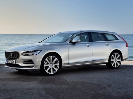Volvo V90 T8 Momentum Twin Awd