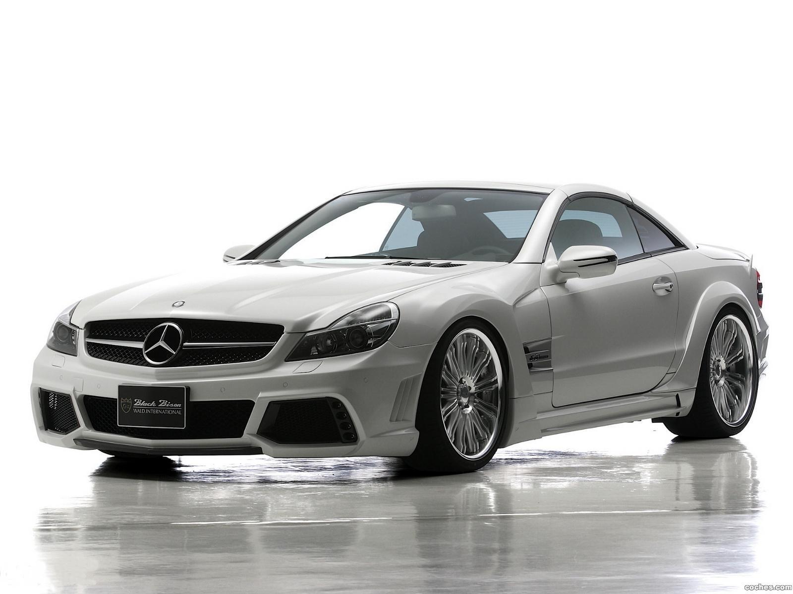 Foto 2 de WALD Mercedes Clase SL SL63 AMG Black Bison Edition R230 2011